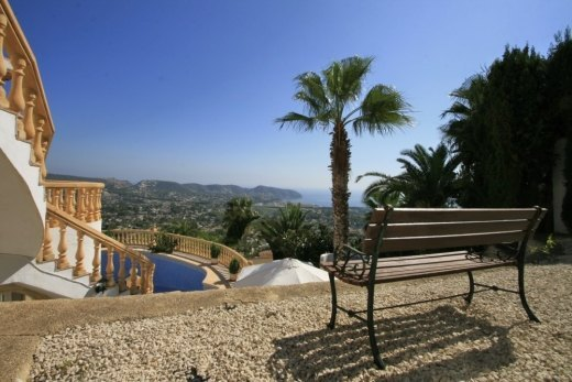 Villa for sale with fascinating  sea views...