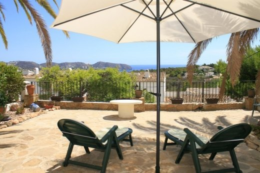 Bungalow for sale in Moraira, Sea views.