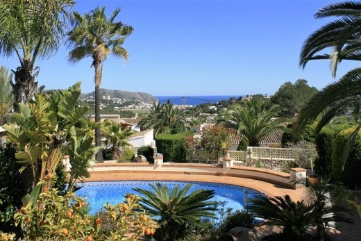 Property for sale in Moraira, sea views.
