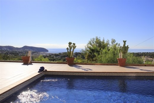 Villa with panoramic sea views in Moraira.
