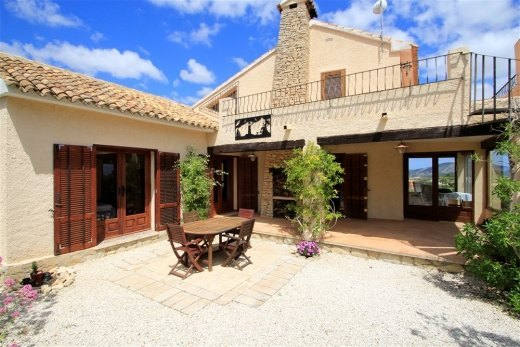 Rustic finca for sale in Teulada - Moraira...