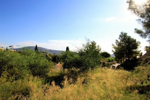 Open views plot for sale in Moraira.