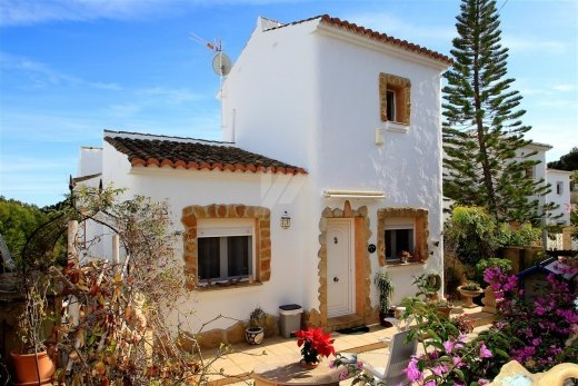 Bungalow for sale in Moraira, close to the...