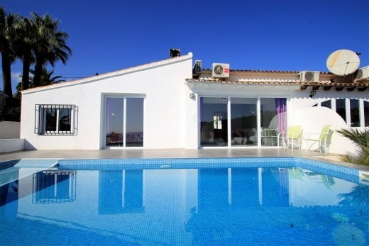 Sea view villa for sale in Moraira, Benime...