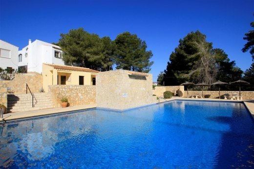 Sea view bungalow for sale in Moraira.