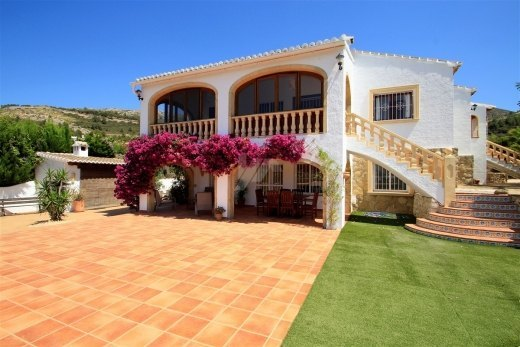 Villa for Sale in Benitachell, close to to...