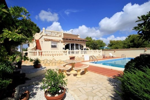 Beautiful large villa for sale in Moraira.