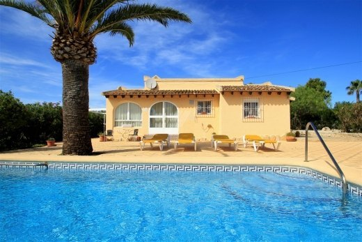 Sea view villa for sale in Moraira, close ...