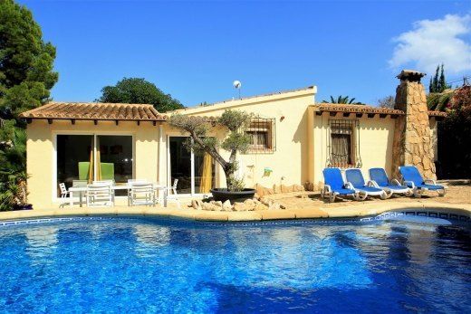 Villa for sale in Moraira, all on one leve...