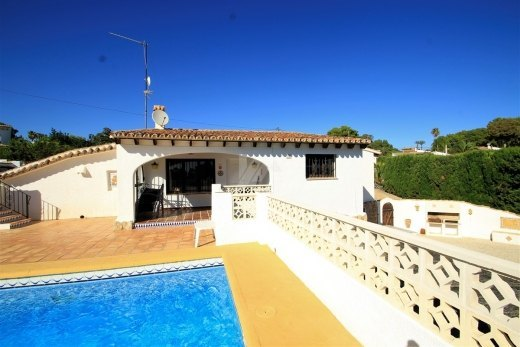 Villa for sale in Moraira, with large plot