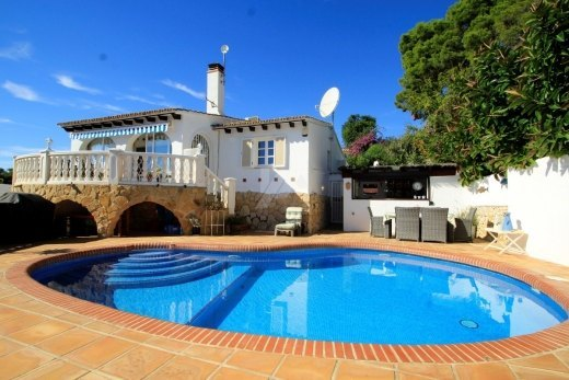 Villa for sale in Moraira, sea views.