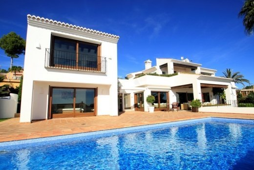 Second line villa for sale in Moraira, sea...