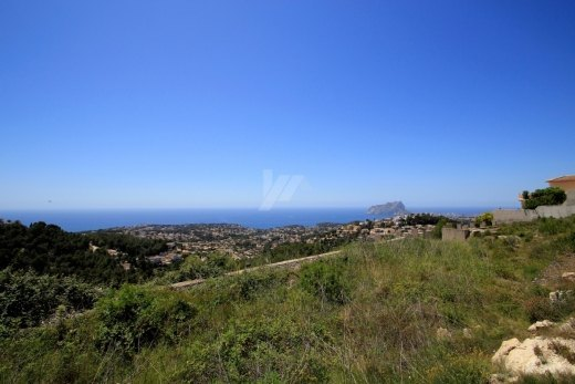 Panoramic sea view plot for sale in Teulad...