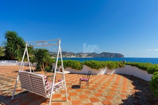 First line villa for sale in Moraira, walk...