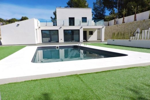 Reformed villa for sale in Moraira, Costa ...