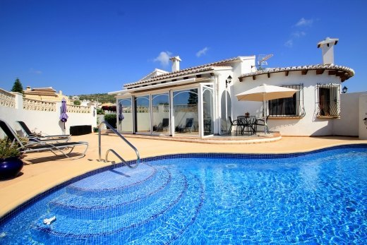 Inmaculate villa for sale in Les Fonts, Be...