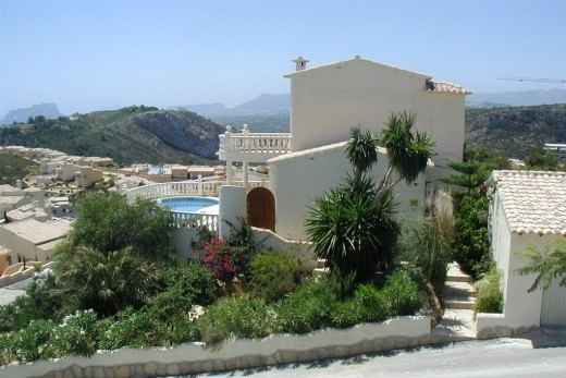 Villa for Sale in Cumbre del Sol, Benitach...