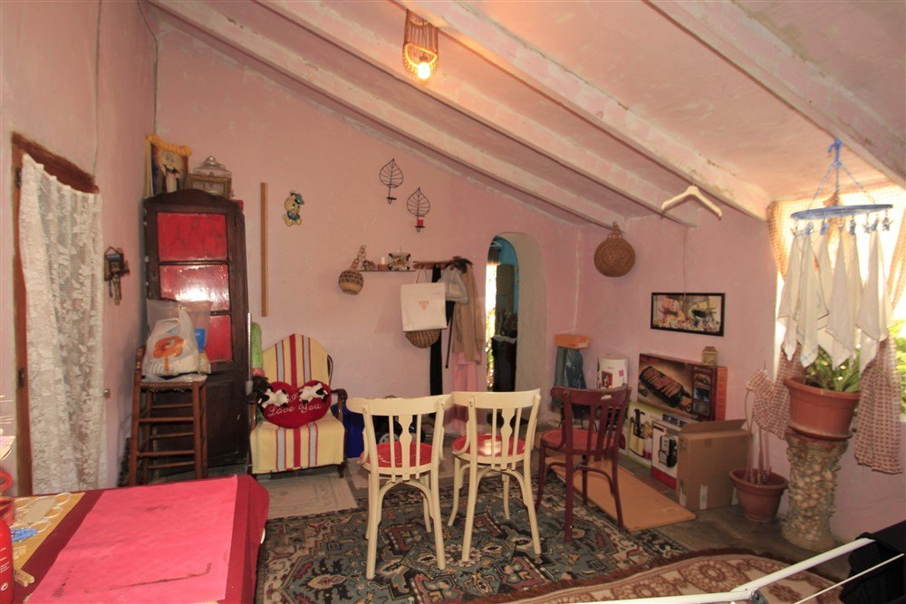 Traditional village house for sale in Teulada