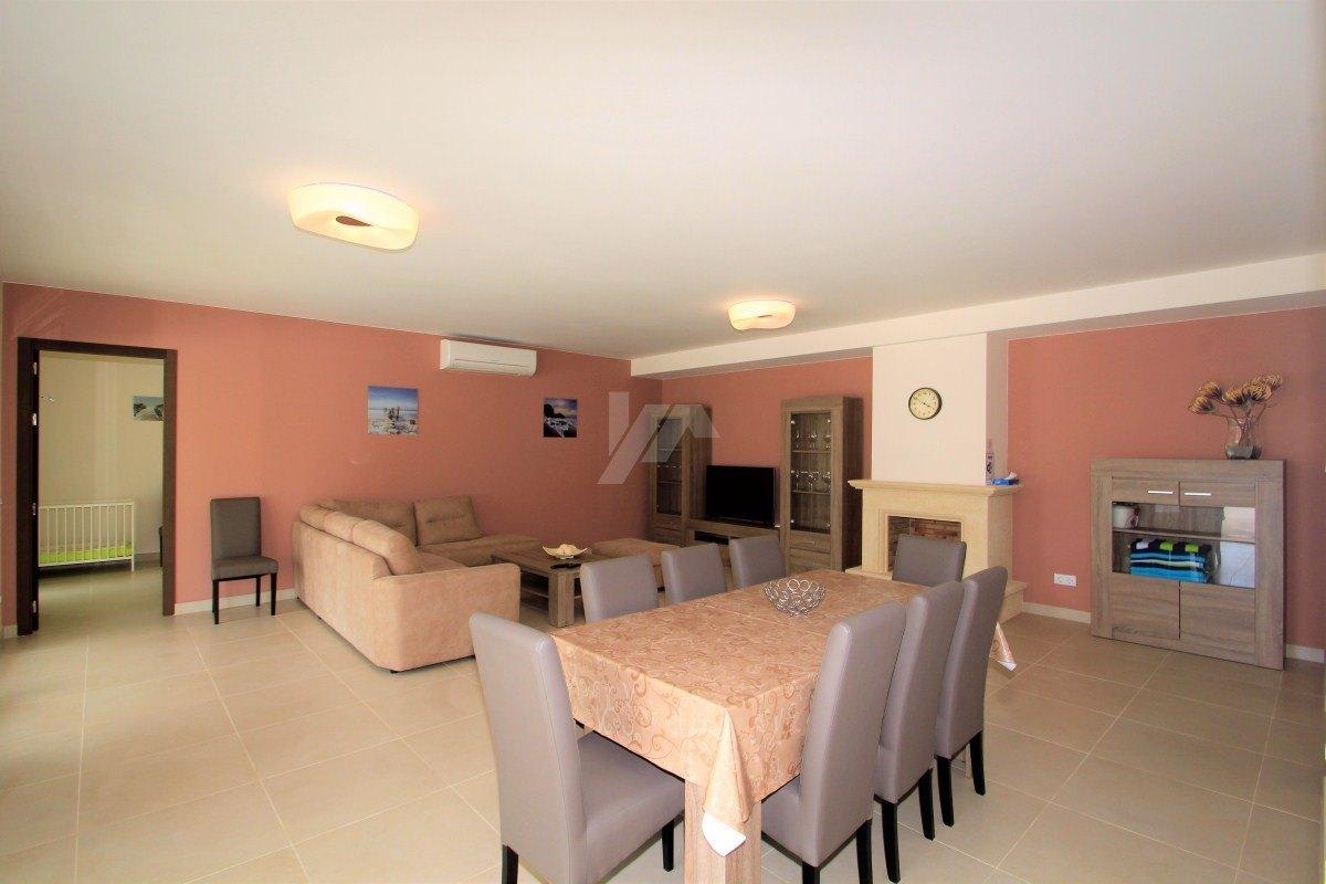 Luxury villa for sale in Moraira, sea views.