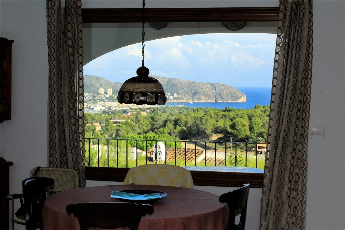 Sea view bungalow for sale in Moraira, CostaBlanca.