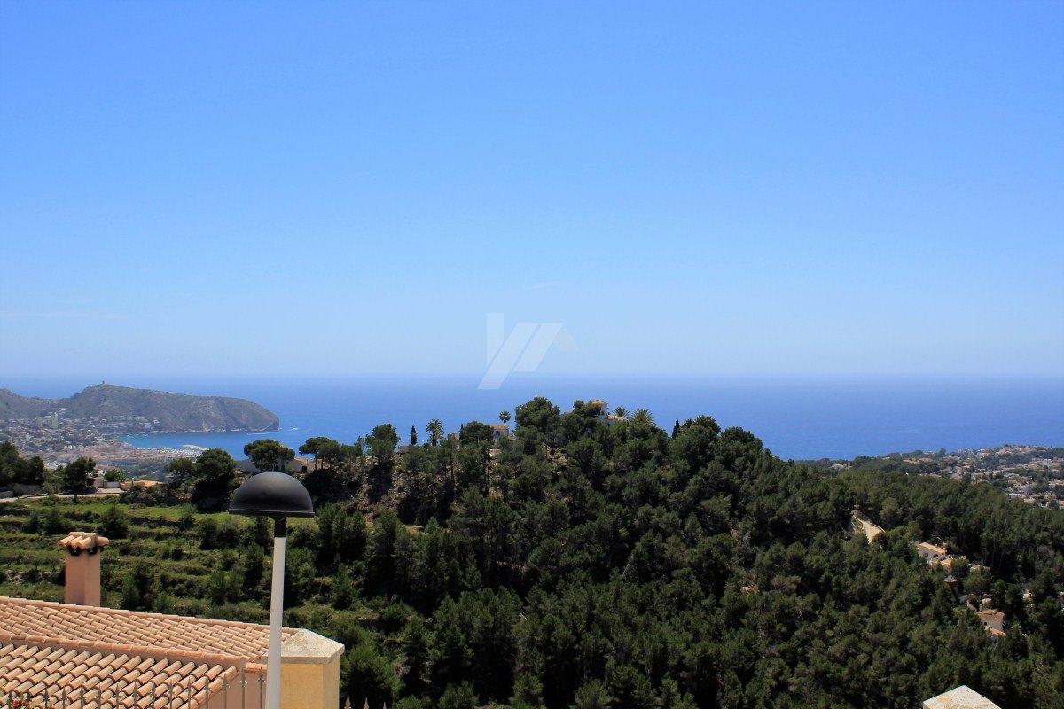 Panoramic sea view plot for sale in Teulada-Moraira, Costa Blanca.