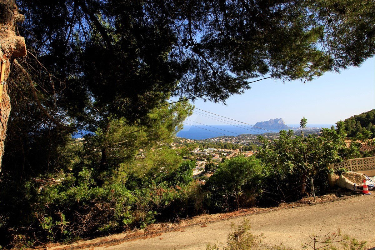 Sea view plot for sale in Moraira, Costa Blanca.