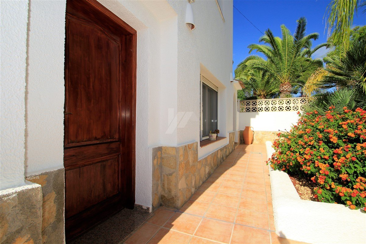 Villa for sale in Moraira, 600m from the beach
