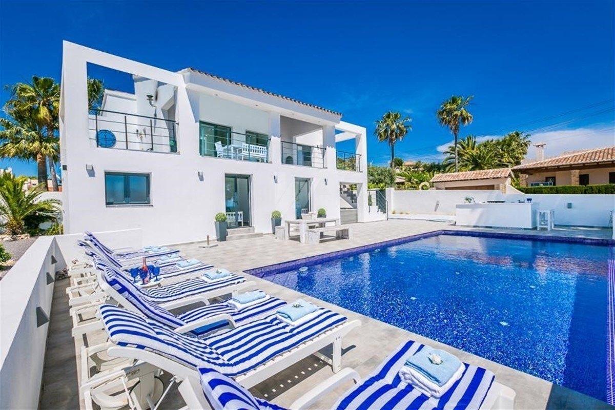 Modern villa for sale in Benissa, Costa Blanca.