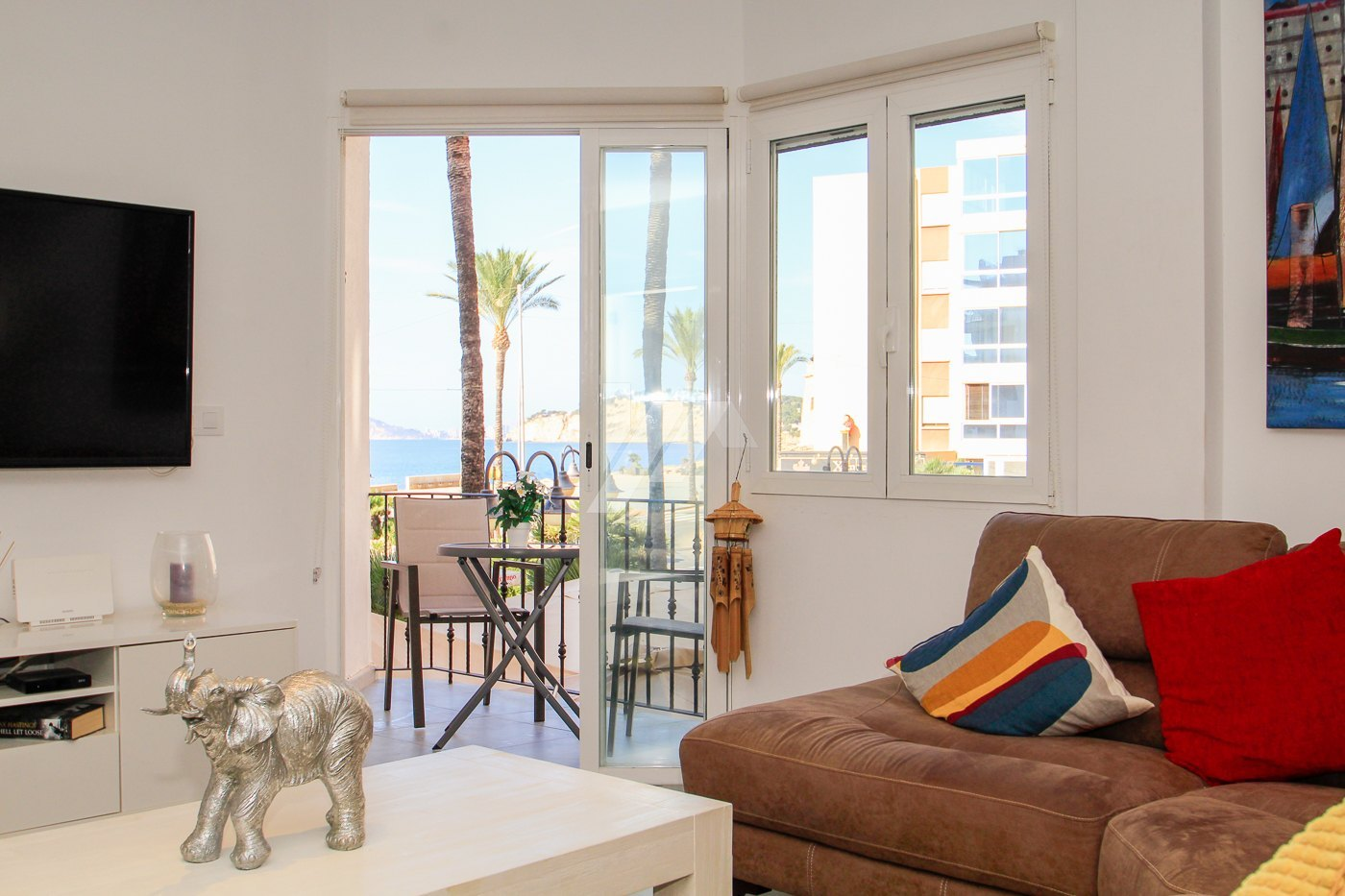 Luxury sea view apartment for sale in the center of Moraira.